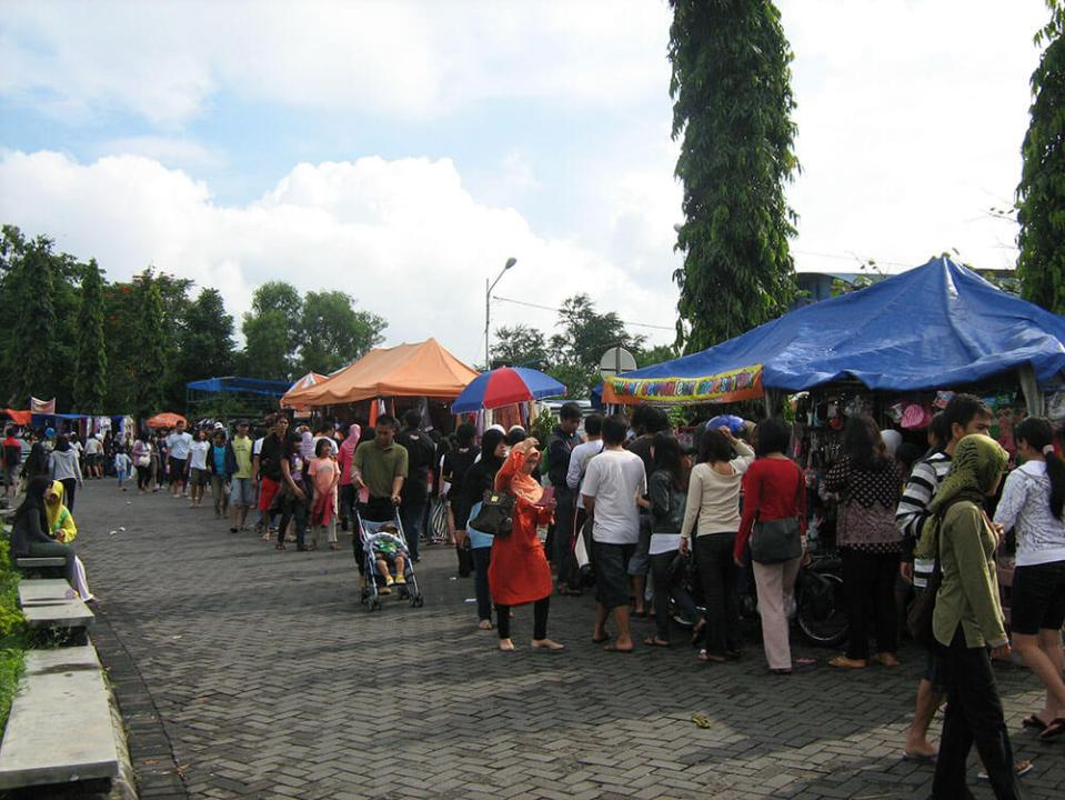 morning market pasar pagi UGM jogjakarta agirlnamedclara