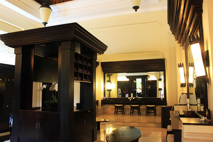 ayana resort and spa bali female changing room luxury design 5 star_agirlnamedclara