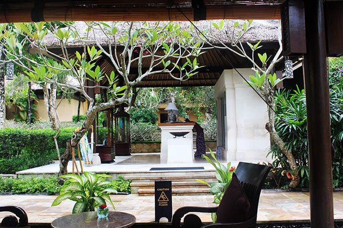 receptionist massage package ayana resort and spa bali nature lush garden_agirlnamedclara