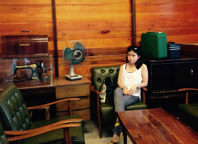 girl short hair sit ah ma house vintage interior design sekinchan cuti-cuti malaysia agirlnamedclara