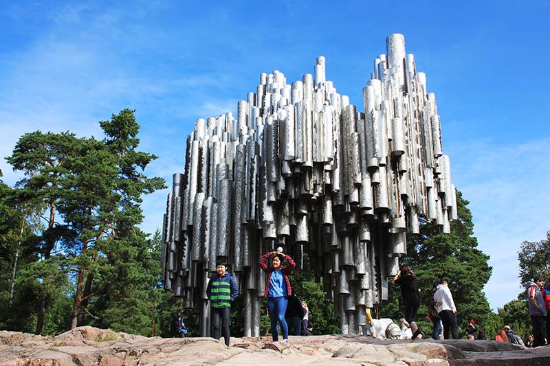 korean tourist make love sign in front of sibelius monument helsinki agirlnamedclara