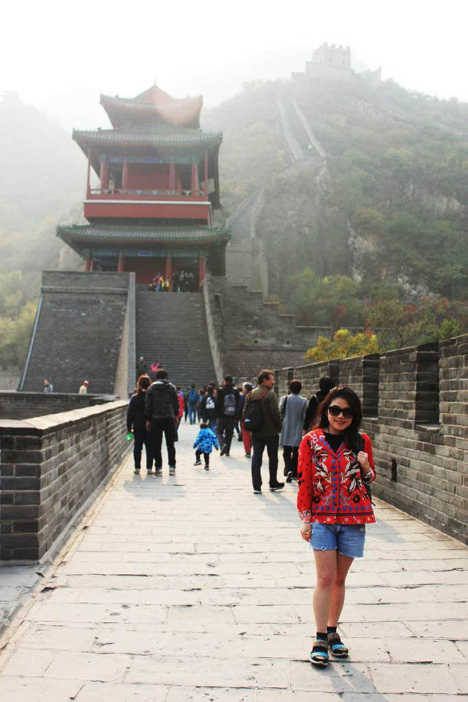girl chinese pattern top stand on the great wall beijing agirlnamedclara