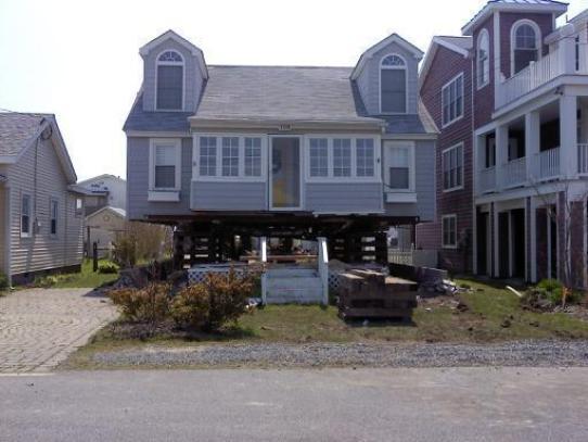 old house on stilts