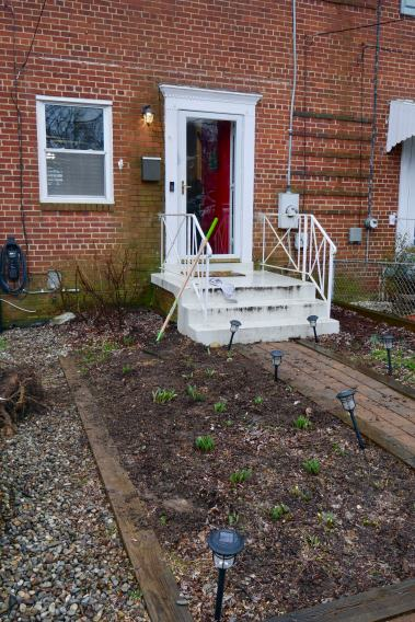 front porch without tree in front