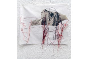 FILI DI ATTUALITA#9 / newspaper sewing on fabric / 30×30 cm / 2006-2010 / Collection Credit Suisse