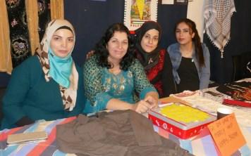 Naboer - syrere og palestinere i skjønn forening