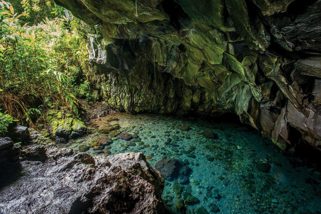 Waianapanapa Caves Maui