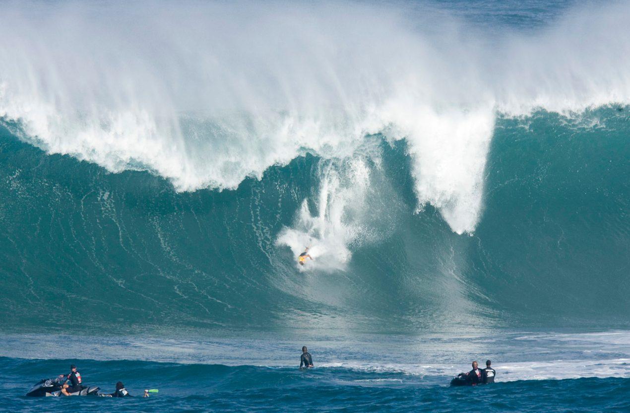 surfing north shore oahu hawaii