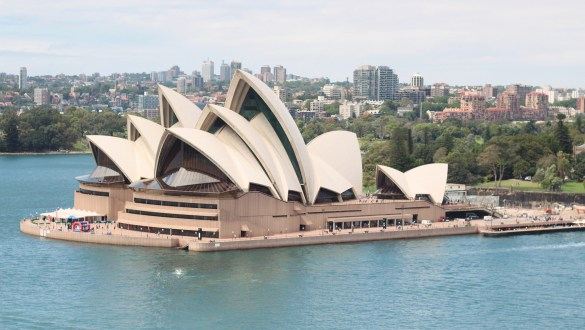 How to visit Sydney on a budget