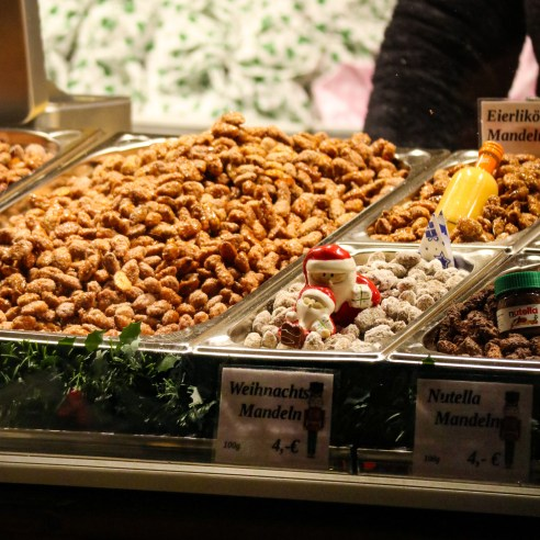 Gebrannte Mandeln (roasted almonds) at a Christmas market in Leipzig