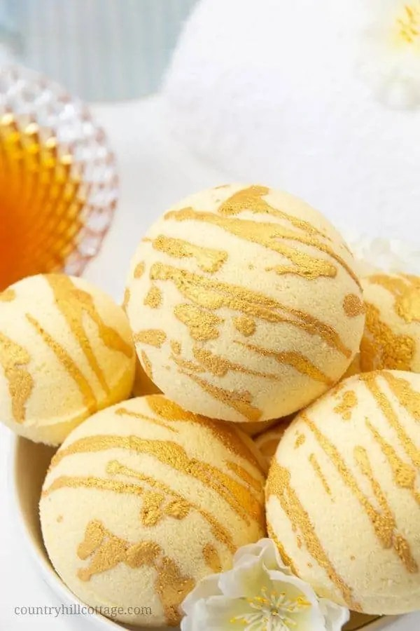 Homemade Milk & Honey Bath Bombs