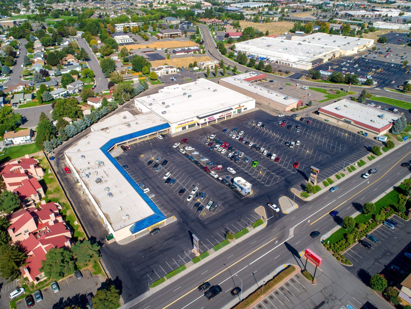 New Listing: Tri-Cities Retail Center with Pad Site