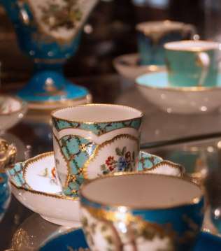 turquoise blue ground Sevres