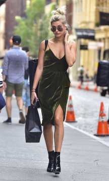 Hailey-Baldwin-Velvet-Dress-June-2016