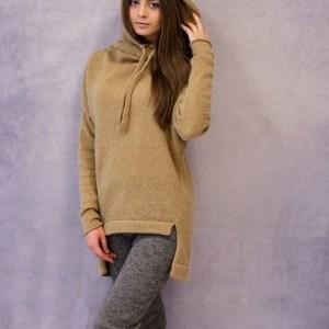 megztinis su gobtuvu