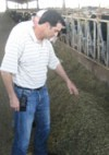 Manuel Monteiro shows the feed mix and explains its ingredients