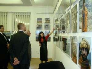 Первая экскурсия по выставке.