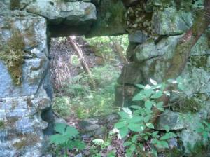 Руины хозяйственных построек «Tulolanhovi» (остров Тулолонсаари, 2009)