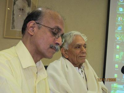 Профессор Мадхаван Палат и акададемик Локеш Чандра