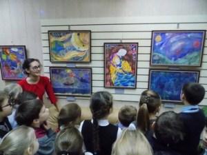 В детской библиотеке № 4 имени В.В.Терешковой (Ярославль) открылась выставка «Мы – дети Космоса»