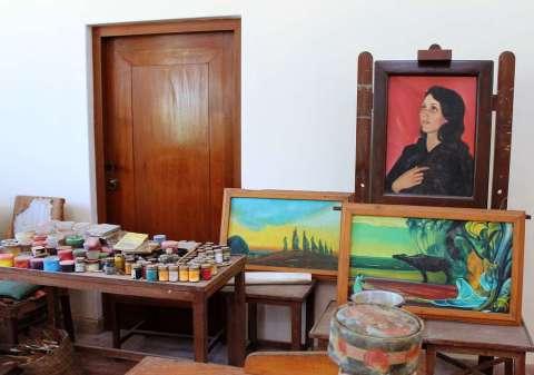 Последняя картина Святослава Рериха на мольберте в его художественной масnерской
