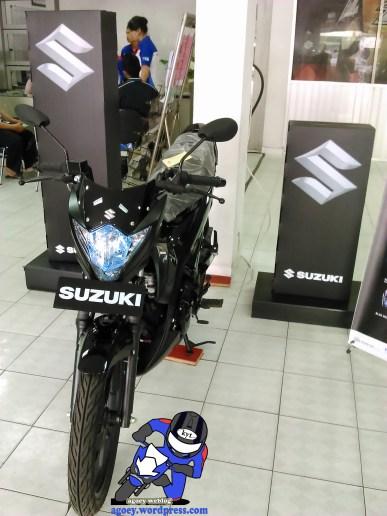Suzuki Satria Black Predator (3)