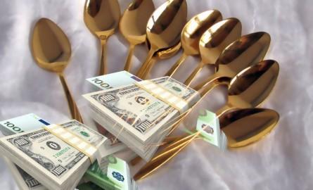 Αποτέλεσμα εικόνας για τρωνε με χρυσα κουταλια