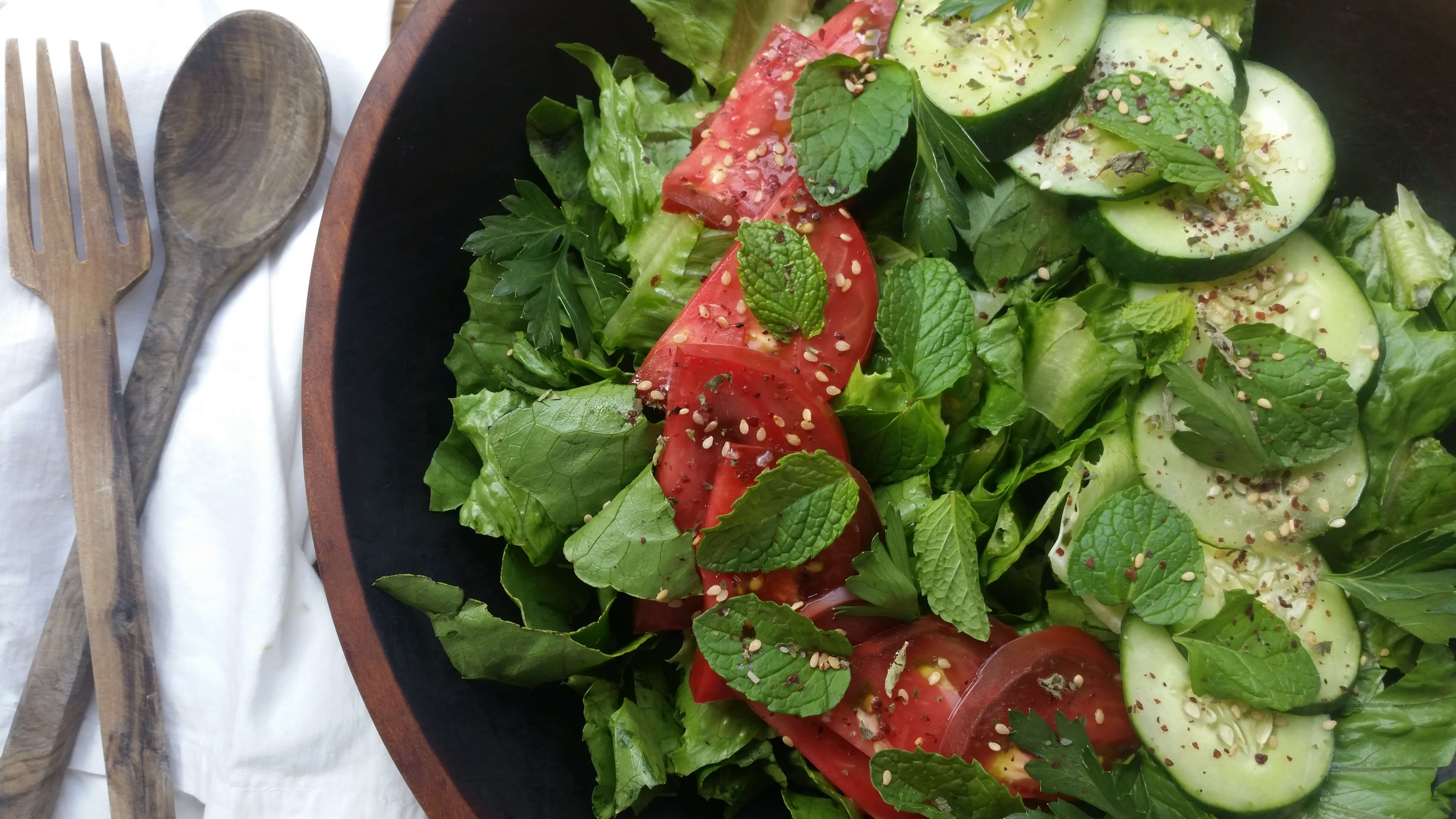 Crisp Romaine Salad Recipe with Parsley and Mint