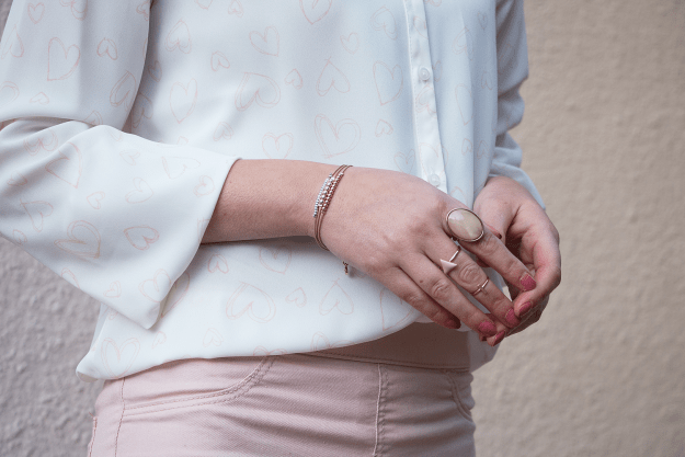 Dainty blush and gold jewelry from Kohl's | A Good Hue