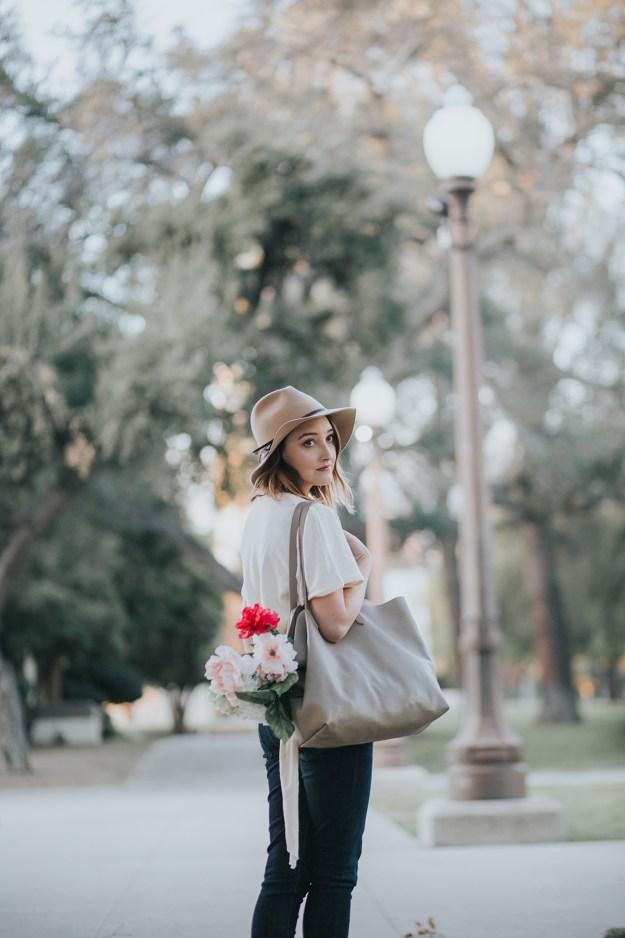 Spring Ready: Zara Side Knot Top, Cuyana Tote & American Eagle Dark Denim Jeans | A Good Hue