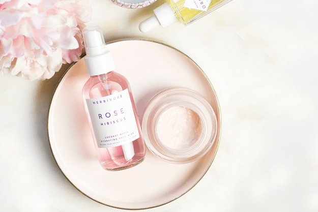 Review: Herbivore Botanicals Rose Hibiscus Face Mist | A Good Hue