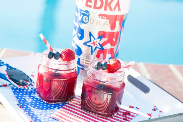 Fourth of July Very Berry Vodka Lemonade | A Good Hue