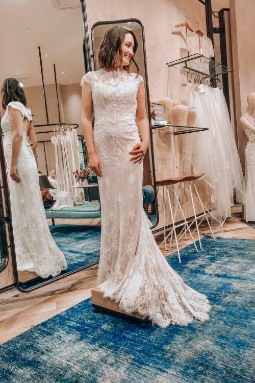 Wedding Dress Shopping Tips for the Bride-to-Be