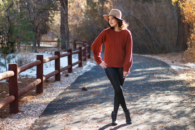 Fall Outfit: Calia Shine Leggings and JustFab Sweater | A Good Hue