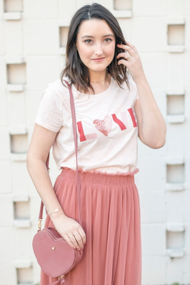 Tulle Skirt & T-Shirt Outfit | A Good Hue