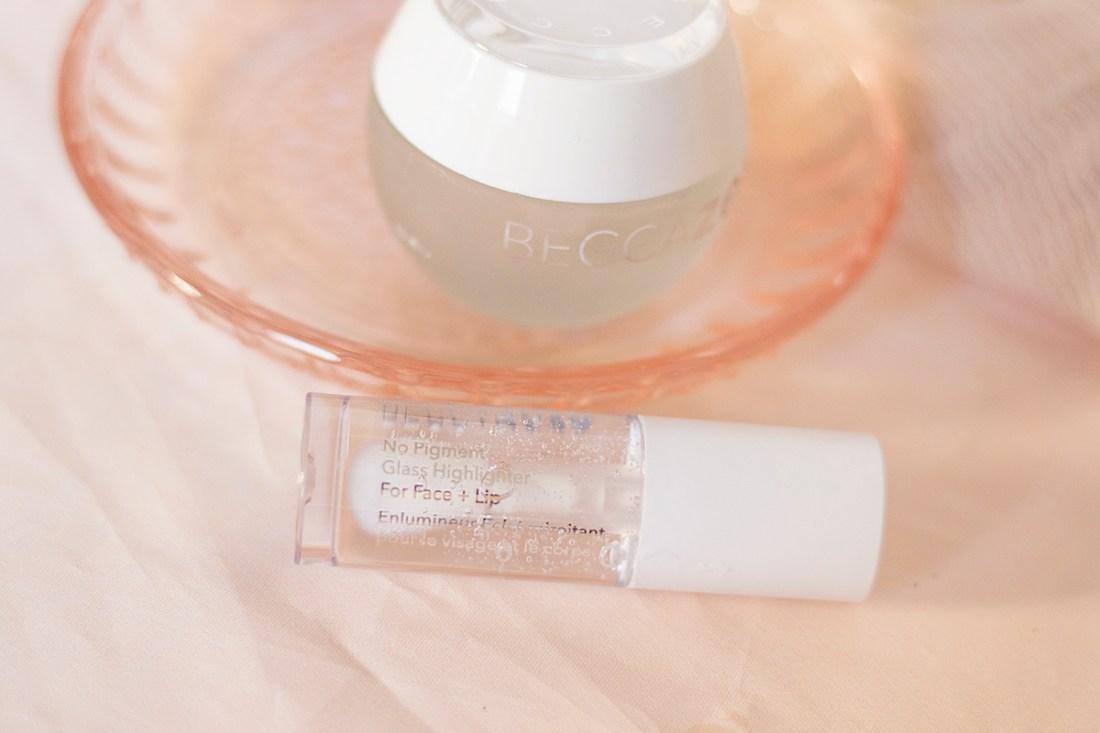BECCA Cosmetics Zero No Pigment Highlighter Review | A Good Hue