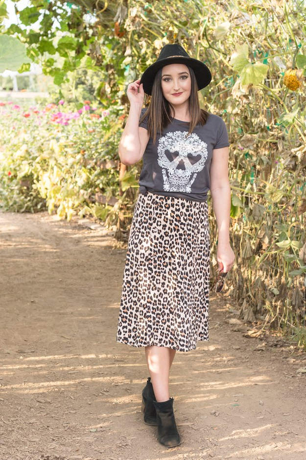 Fall Outfit: Skull Graphic Tee & Leopard Skirt | A Good Hue