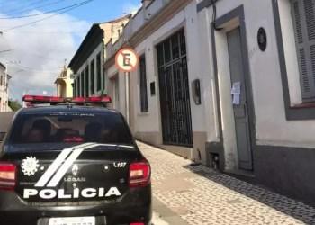 Polícia Civil cumpriu ordem judicial após paciente descumprir isolamento e circular pela cidade. Foto: Divulgação/Polícia Civil