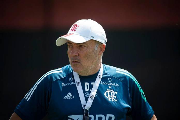 Domènec Torrent, técnico do Flamengo, é um dos contaminados com a Covid-19 -  Foto: Alexandre Vidal/Flamengo