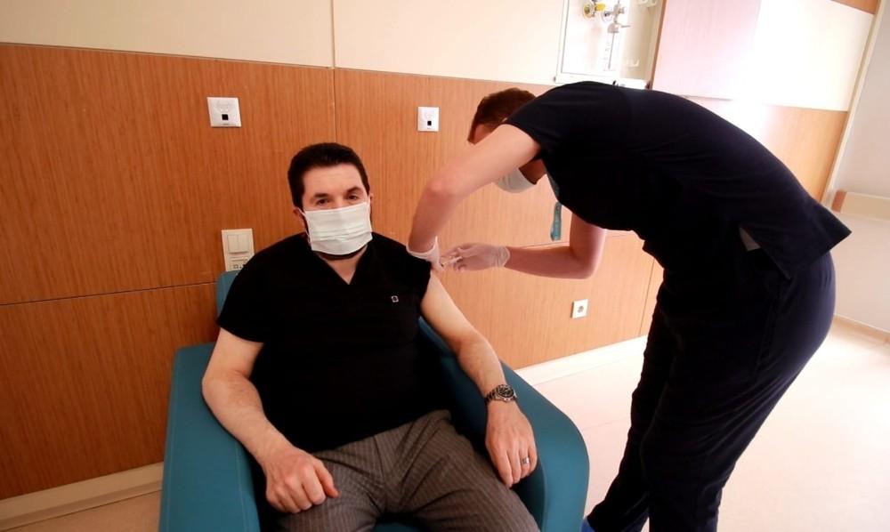 Ağrı Belediye Başkanı Sayan, Covid-19 aşısı oldu