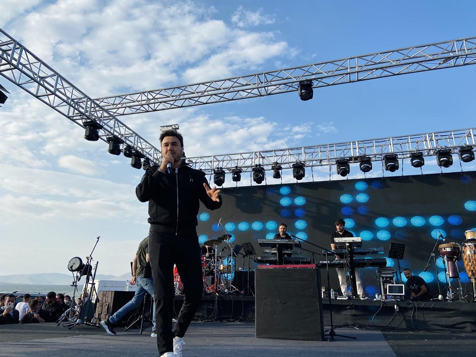 Ağrı'da 2. Balık Gölü Festivali başladı