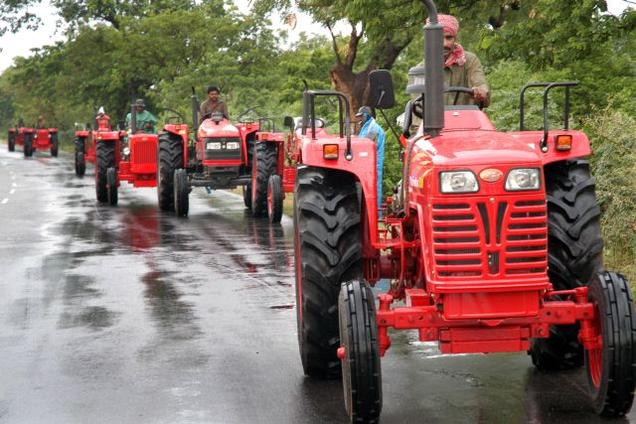 Tractor industry's cyclic growth