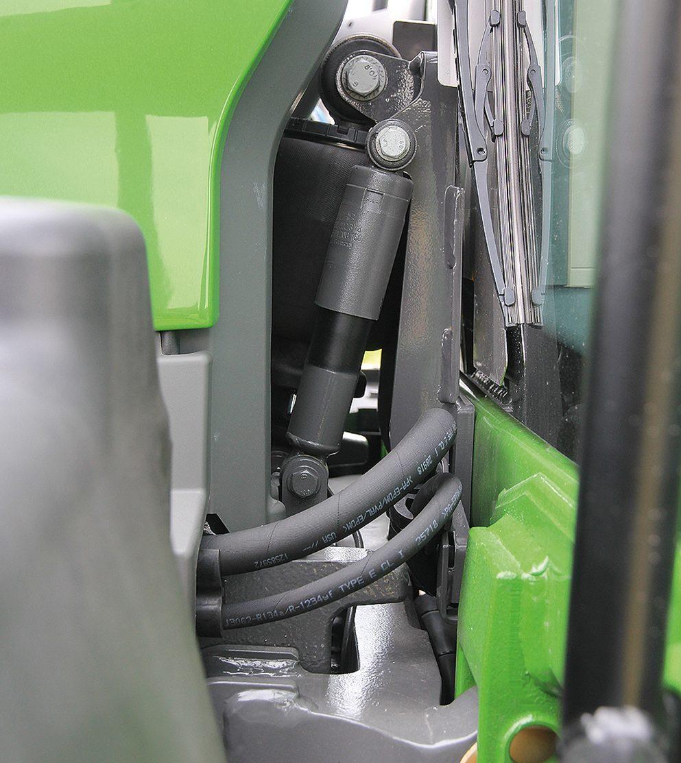 Fendt-900-Vario-Grotere-cilinderinhoud-minder-toeren-Agri-Trader-Test-Jaarboek-14