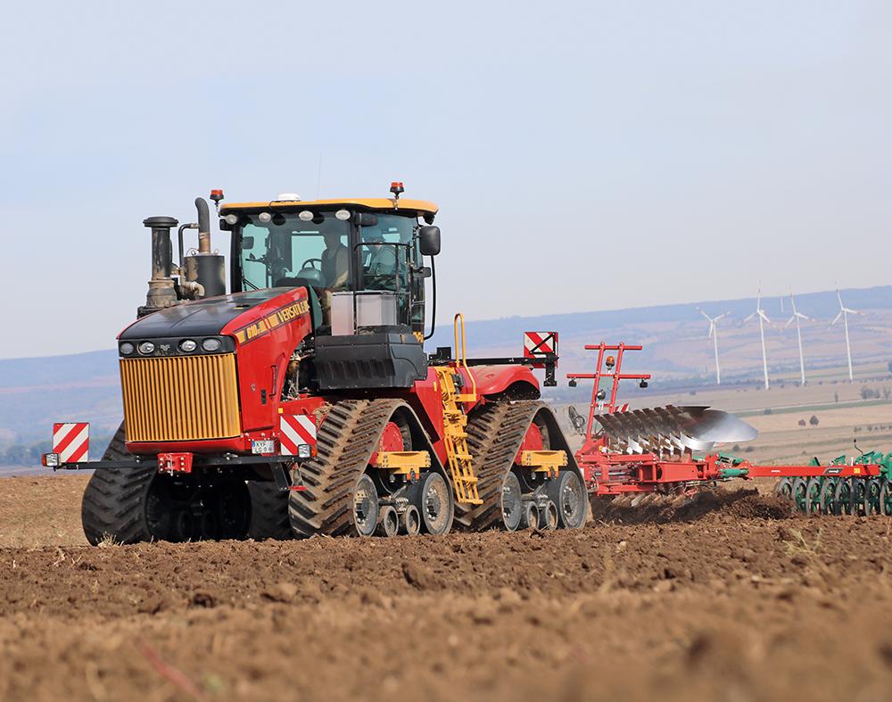 De Versatile kniktractor - een exoot op Europese bodem Agri Trader Test Jaarboek (20)
