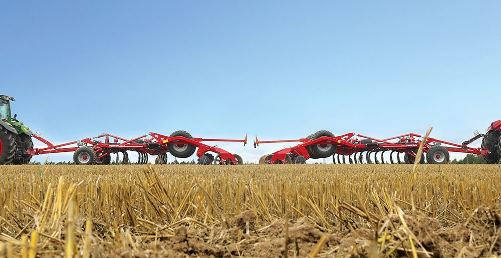 Doorvoer vraagt rijsnelheid bij cultivator Agri Trader Test Jaarboek (20)