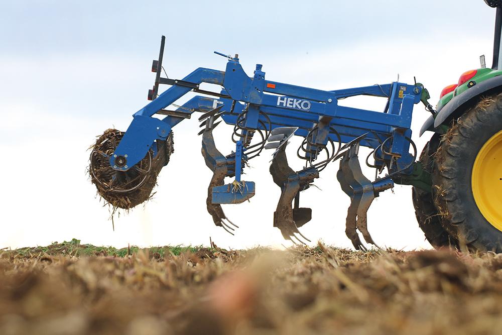 Heko zwenkbare cultivator - de omdraaitruc - Agri Trader Test Jaarboek 4 (1)