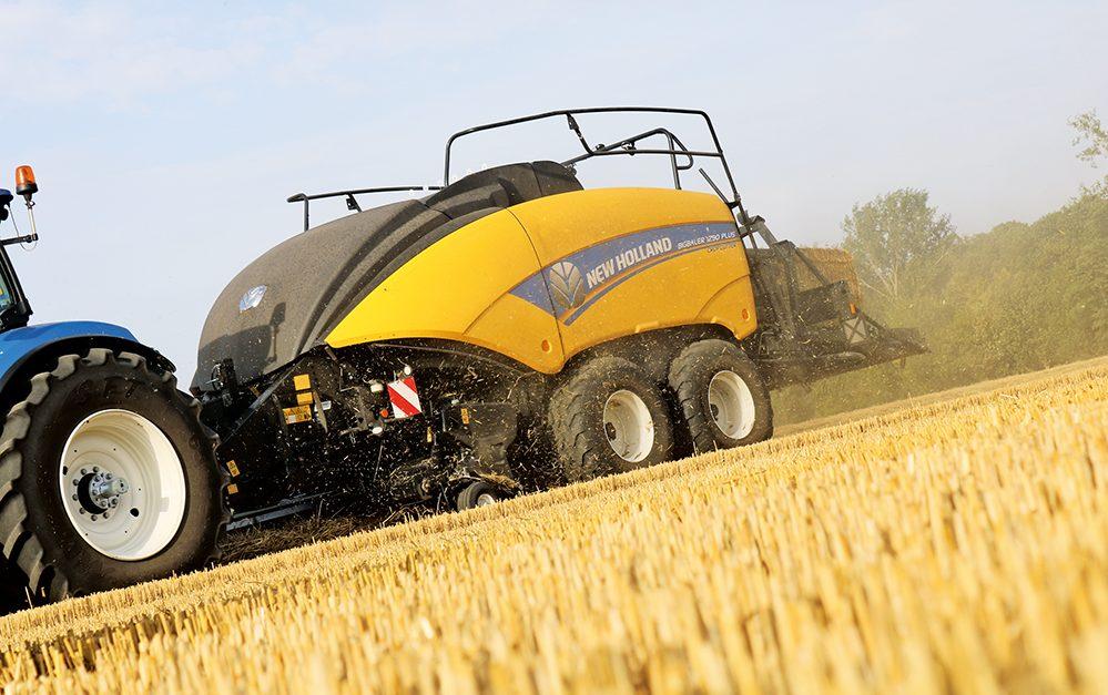 Verbeterd New Holland BigBaler serie - Agri Trader test jaarboek (20)