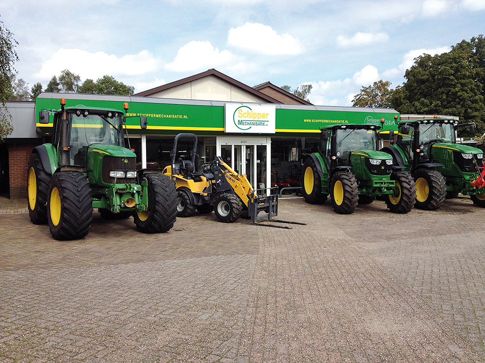 van Hierden Agrarisch Loonwerk & Kalverhouderij - Klant van Schipper Mechanisatie in Putten - Agri Trader (2)