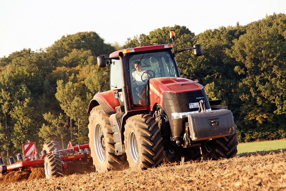 Case IH Magnum 340 Efficient Power - Agri Trader Test Jaarboek - (4)