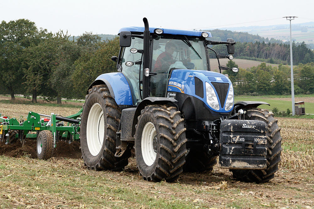 De New Holland T7.210 getest - een traploze blauwe (7)